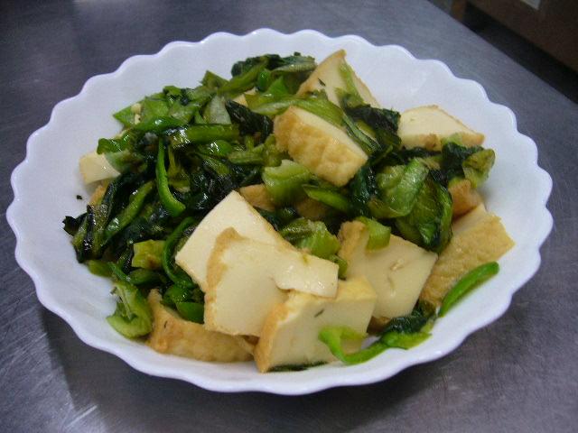 小松菜と厚揚げのオイスターソース炒め。。