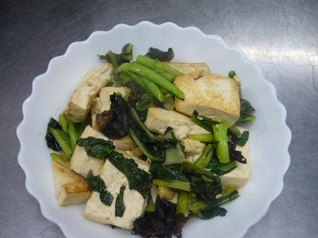 小松菜の炒め物。。