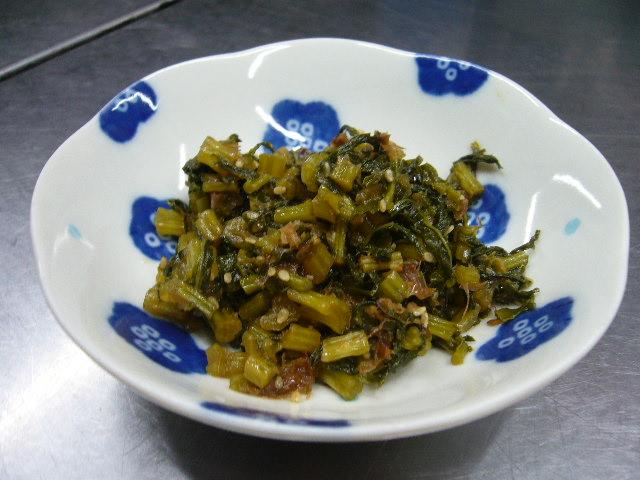 登米産大根っ葉で炒め煮。。